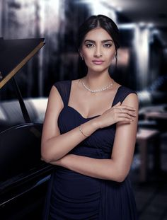 Sonam Kapoor Recent Photoshoot Images,Bollywood Actress Sonam Kapoor Recent Photoshoot Gallery. Bollywood Stars, Bollywood Fashion, Diva Fashion, Star Fashion, Bollywood Celebrities, Bollywood Actress, Sonam Kapoor, Stunning Women, Beautiful