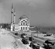 Dolmabahçe'deki yol genişletme çalışmaları, 1950'ler.