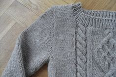 Chuck or the fearless sweater by Joëlle   Project   Knitting / Cardigans  Sweaters #knitting #kollabora #DIY