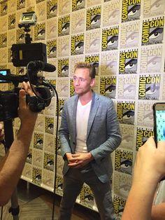 VarietyLatino: Tom Hiddleton hablando de su rol en la película de Guillermo del Toro #CrimsonPeak #TomHiddleston #SDCC