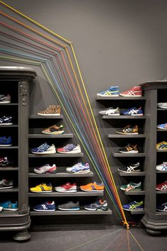 Very unique shoe wall inspiration board en 2019 shoe store d Clothing Store Interior, Clothing Store Design, Shoe Room, Shoe Wall, Shoe Store Design, Retail Store Design, Vitrine Design, Shoe Display, Store Interiors