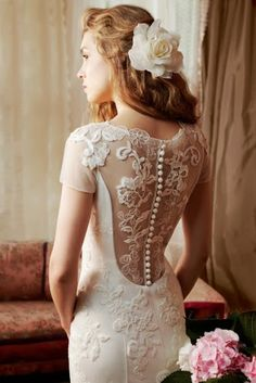 Backless wedding dress  Enrealidad es hermoso♥