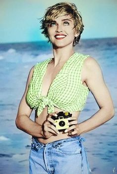 Madonna, Beach babe 1989 by Herb Ritts Madona, Madonna Pictures, Madonna 80s, Madonna Hair, Girls With Cameras, Herb Ritts, Hommes Sexy, Material Girls, Celebs