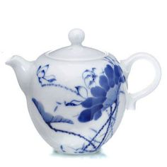 chinese teapot lotus pattern Blue and white porcelain