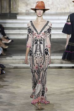 Temperley London Spring 2016 Ready-to-Wear Collection Photos - Vogue http://www.vogue.com/fashion-shows/spring-2016-ready-to-wear/temperley-london/slideshow/collection#29: