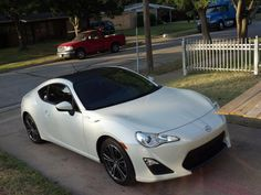 White Toyota 86 with Vinyl Wrap. Looks Awesome!