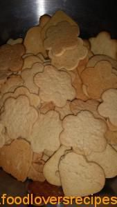 2015-01-04-soetkoekies Cookie Desserts, Cookie Jars, Dessert Recipes, South African Recipes, Love Cake, Holiday Baking, Yummy Treats, Holiday Recipes, Biscuits
