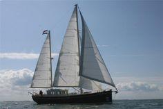 HVAL NAUPAR - officieel deelnemend schip SAIL Amsterdam 2015