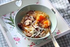 Pumpkin stew with millet, mushrooms and pecorino. With flavours of fresh rosemary, chilipepper and loads of garlic.