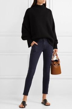 J Brand - Cropped cotton-blend twill skinny pants Office Outfits, Chic Outfits, Fashion Outfits, Fashion Trends, Girly Outfits, Trendy Outfits, Women's Fashion, Office Attire, Feminine Fashion