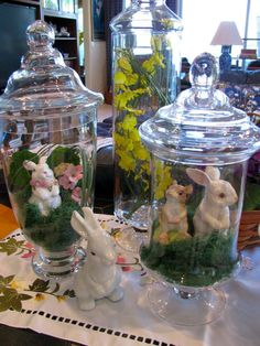 Wonderful Easter Decoration Ideas For Your Inspiration; Easter Table Decoration Ideas With Egg And Bunny; Egg And Bunny; Easter Table, Easter Party, Easter Gift, Apothecary Jars Decor, Diy Osterschmuck, Easy Diy, Decoration Vitrine, Diy Ostern, Diy Easter Decorations