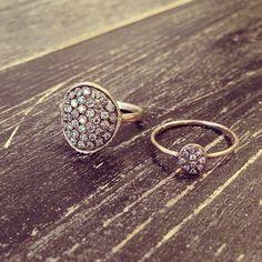 WHITE bIRD | Naohiko Noguchi rings @ WHITE bIRD Jewellery boutique. Patinated white gold and diamond rings.