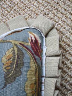 quatrine - detailed pillow trim