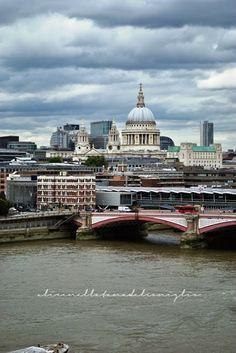 ... o per la mia amata Londra! Ma basta semplicemente un posto magico per se stessi ;) la Tana del Coniglio: London, St. Paul