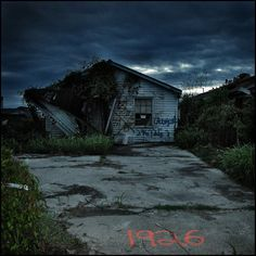 Hurricane and flood-damaged home, Ninth Ward, New Orleans, USA © 2006