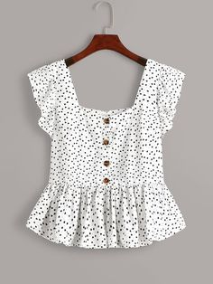 To find out about the Plus Heart Print Button Front Ruffle Trim Peplum Blouse at SHEIN, part of our latest Plus Size Blouses ready to shop online today! Indian Blouse Designs, Bluse Outfit, Fashion News, Fashion Outfits, Fashion Styles, Girl Fashion, Peplum Blouse, Peplum Tops, Dress Shirt