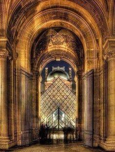 .El louvre PARIS.