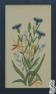 Blossom No. 10162 Blue frame with glass, dimensions 23 x 38 cm, frame selection: yellow, blue, green, red, cinnamon, colored / white lace Price: € 70 ............................ Protected by copyright!