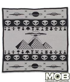 Ancient Alien Pyramid Blanket