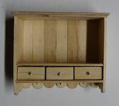 Thea's Miniatuurwereld: Hangend wandkastje