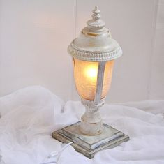 Cool upcycled lamp.