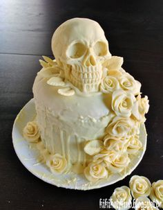 Our skull-wedding cake by dwellicious on DeviantArt Halloween Desserts, Halloween Wedding Cakes, Halloween Cakes, Skull Wedding Cakes, Crazy Wedding Cakes, Skull Cakes, Sugar Skull Wedding, Beautiful Cakes, Amazing Cakes