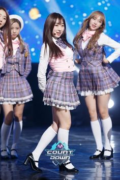 Cute Girl Outfits, Kpop Outfits, Stage Outfits, Fashion Outfits, Women's Fashion, Japanese Girl, Japanese School, Boys Wearing Skirts, Tartan Dress