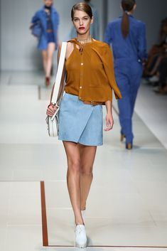 Trussardi Spring 2015 Ready-to-Wear - Collection - Gallery - Style.com  http://www.style.com/slideshows/fashion-shows/spring-2015-ready-to-wear/trussardi/collection/26