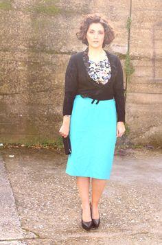 turquoise pencil skirt curvy fashion blog= black skirt with turquoise cardigan?