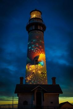 Street art plus lighthouse? Lighthouse Lighting, Lighthouse Pictures, Cool Pictures, Beautiful Pictures, Beacon Of Light, Architecture, Street Art, Beautiful Places, Scenery