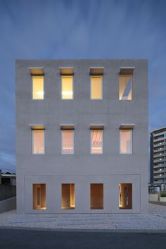 House in Tomigusuku / Rhythmdesign