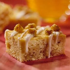 R026537 Just Desserts, Delicious Desserts, Dessert Recipes, Yummy Treats, Sweet Treats, Powdered Sugar Icing, Nut Bar, Cookie Bars, Bar Cookies