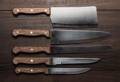Kurban Bayramı yakın, bıçaklar bilenmek ister. Bıçak bileme ustaları ustasiburada.com'da
