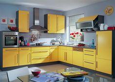 Картинки по запросу желтая кухня с деревянным полом