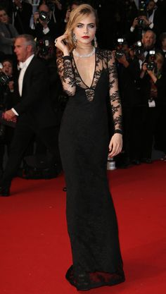 Cara looks stunning in Burberry at the Great Gatsby movie premiere