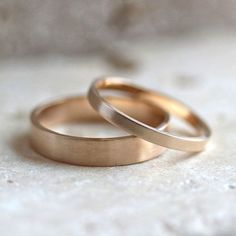 Gold Wedding Band Set, His and Hers 4mm and 2mm Brushed Flat 14k Recycled