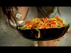 CHING HE HUANG Chinese Food Made Easy Singapore-style noodles 新洲米粉 - YouTube