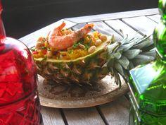 Gosta de novos pratos? Receitas diferentes? Experimente este prato delicioso! Irresistível!  #Abacaxi_recheado_com_Arroz_e_Camarão