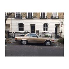 Islington. #mercedes #mercedesbenz #merc #carporn #islington #germanwhip #gold #vintage