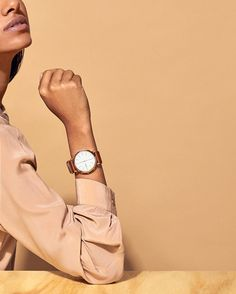 Put your best face forward. Shop the timeless and timely Hald Hybrid Smartwatch.