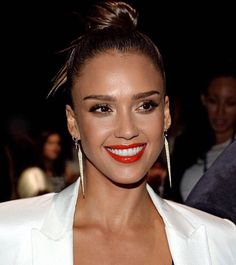 Throwing it back to that time our Founder Jessica Alba served up some major glam. #HonestBeauty | Makeup by Patrick Ta