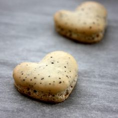 I Heart Chai Macarons via Cee in the Kitchen  #Valentine's Day Sweet Treats
