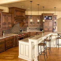 Best Rustic Farmhouse Kitchen Cabinets Makeover Ideas – Roseann H. Rustic Kitchen, Kitchen Remodel, Kitchen Design, Stained Kitchen Cabinets, Farmhouse Kitchen Cabinets, New Kitchen, Rustic Farmhouse Kitchen, Kitchen Style, Rustic Kitchen Cabinets
