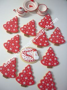Decorated Christmas Cookies – Glorious Treats Christmas trees decorated with snowflakes iced cut out sugar cookies. Cute Christmas Cookies, Iced Cookies, Christmas Sweets, Christmas Cooking, Holiday Cookies, Christmas Tree Decorations, Cookies Et Biscuits, Snowflake Cookies, Christmas Recipes