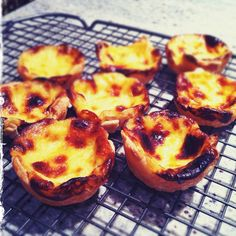 pasteis de nata or portuguese custard cups or just Yummy Read Recipe by Marysaysrelax Portugese Custard Tarts, Portuguese Egg Tart, Portuguese Recipes, Portuguese Culture, Thermomix Desserts, Sweet Tarts, Play Shop, International Recipes, Food Inspiration