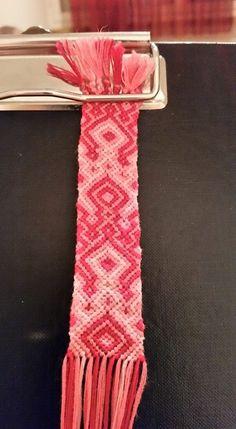 #friendshipbracet #dmc #pink #rosa Friendship Bracelets, Pink, Handmade, Crafts, Accessories, Jewelry, Hand Made, Manualidades, Jewlery