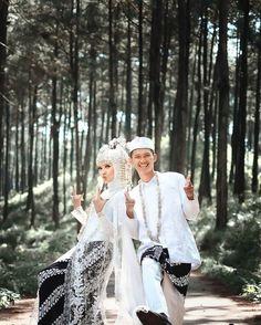Couple Photos, Couples, Wedding Dresses, Instagram, Fashion, Couple Shots, Bride Gowns, Wedding Gowns, Moda