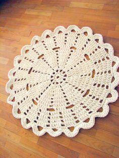 Ravelry: ihanitse's Doilifus Maximus V aka doily rug Crochet Doily Patterns, Crochet Borders, Thread Crochet, Crochet Motif, Crochet Doilies, Knitting Patterns Free, Crochet Rugs, Hello Kitty Crochet, Rag Rug Tutorial