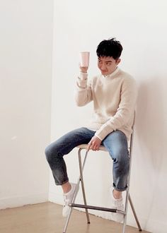 """""""I can only imagine the photo shoots the guys go through. """"Here's a cup, make it look sensational."""" D.O. *sarcastically holds cup in front of face* """" Kyungsoo, Kaisoo, Chanyeol, K Pop, Exo Lockscreen, Exo Korean, Kim Junmyeon, Do Kyung Soo, Exo Members"""