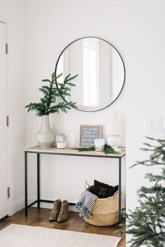 room decor 2018 Holiday Home Tour Part One: Front Entry & Living Room modern holiday decor, scandinavian holiday decor Decoration Hall, Decoration Entree, Entryway Decor, Front Entry Decor, Bedroom Decor, Home Decor Styles, Cheap Home Decor, Home Decor Accessories, Diy Home Decor